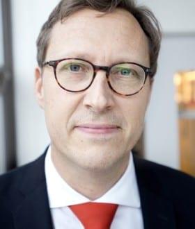 Daniel Moius, ekonomiavdelningen